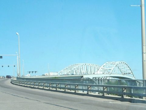 I-69/94 east - Blue Water Bridge