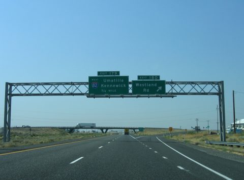 I-84/US 30 west at I-82 - Hermiston, OR