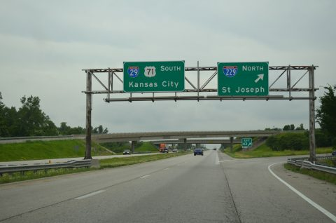 I-29/US 71 south at I-229 - St. Joseph, MO