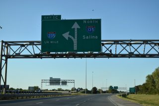 I-135/US 81 north at I-235 - Wichita, KS