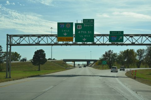 I-135/US 81 south at I-235 - Wichita, KS