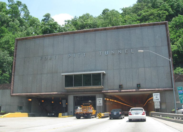 I-376 east - Fort Pitt Tunnel