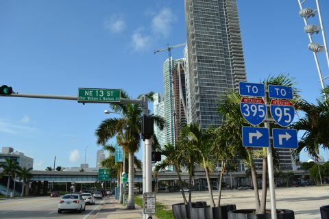US 1/Biscayne Blvd south at I-395/SR A1A - Miami, FL