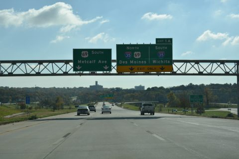 I-635 south at I-35/US 69 - Overland Park, KS