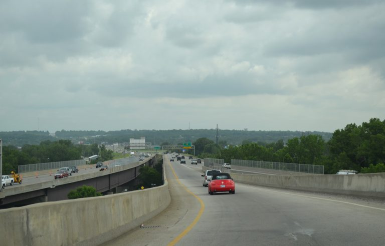 I-635 south across the Kansas River Bridge